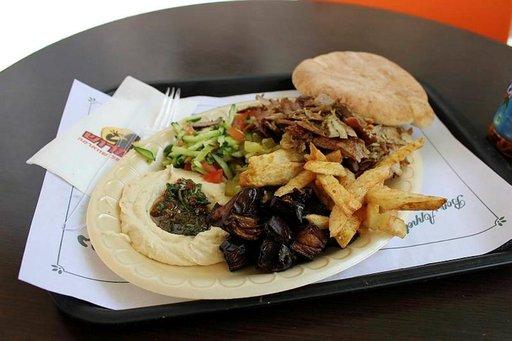 Hummusta ja shawarmaa edullisesti.