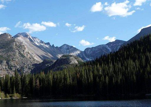 Kalliovuorten kansallispuisto tarjoaa elämyksiä keskellä villiä luontoa.