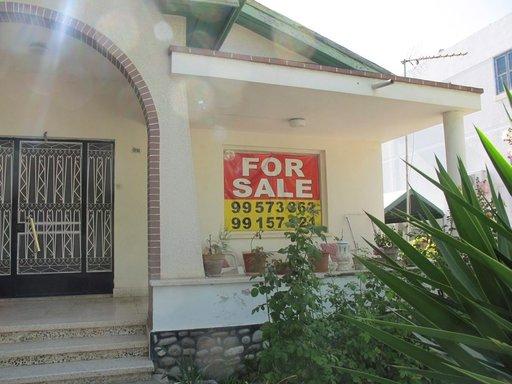 Jos taskun pohjalla on ylimääräistä kannattaa ostaa talo Kyprokselta.