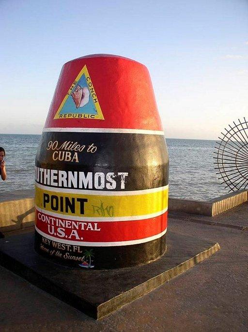 Tähän päättyy ykköstie: 145 km Havanaan, 216 km Miamiin.
