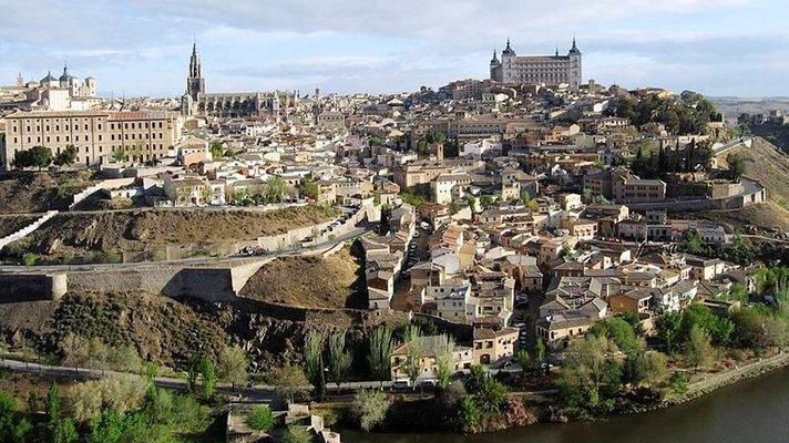 Kolmen kulttuurin,<br /> El Grecon ja miekkojen n&auml;yteikkuna<br /> TOLEDO