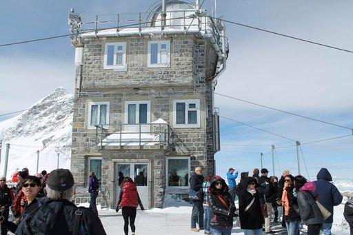 Sphinx-rakennus on palvellut sää- ja tutkimusasemana vuodesta 1931 lähtien. Observatorio rakennettiin 1950.