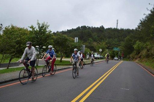 Taiwanin saaren ympäri pääsee pyöräilemään helposti hyvillä reiteillä. Kaupungeissa luonnistuvat lyhyet matkat pyöräteitä pitkin.