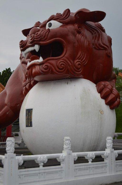 Taiwanissa kansanuskonto on säilynyt buddhalaisuuden rinnalla.