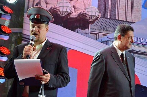 Ville Haapasalo esiintyi lähtöseremonioissa.