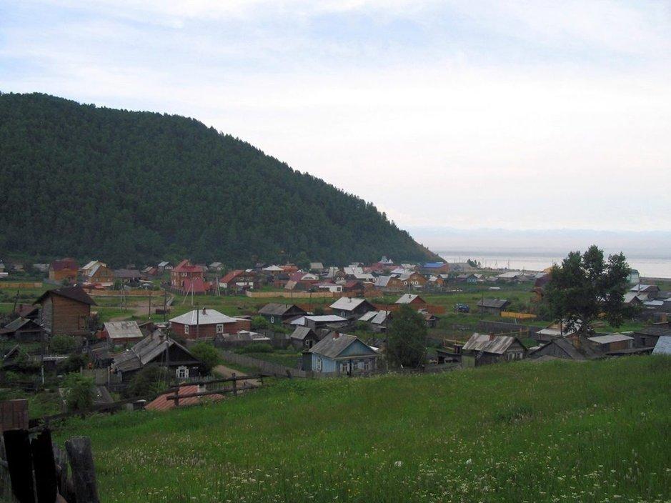Listvyankan alue soveltuu hyväksi lähtöpaikaksi Baikaljärveen tutustumiselle.