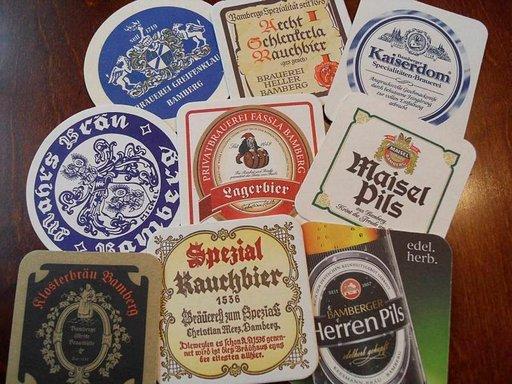 Bierdeckelit eli oluttuopin alustojen kertomaa.
