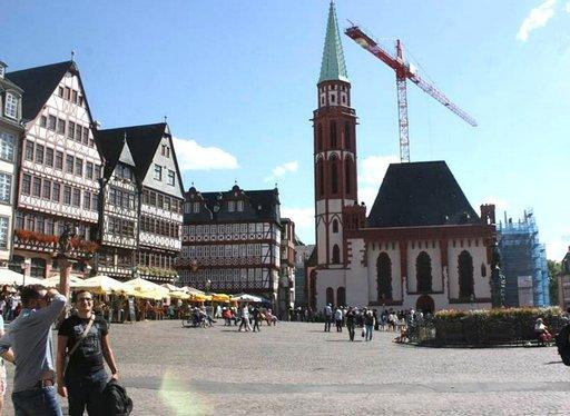 Römerbergin aukio on Frankfurtin sydän. Täällä sijaitsee myös raatihuone