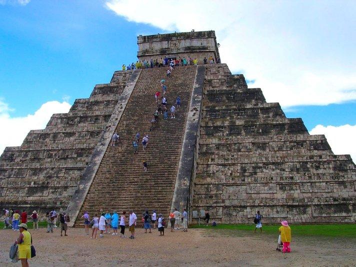 Maya-kulttuurin jalanjäljillä<br /> eri puolilla Meksikoa Helsinki