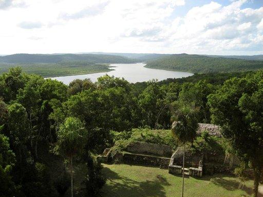 Kaikkia Maya-temppeleitä ei ole viidakoista edes löydetty.