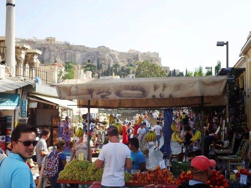 Monastirin markkinoilla Ateenassa on pidettävä huolta lompakostaan.