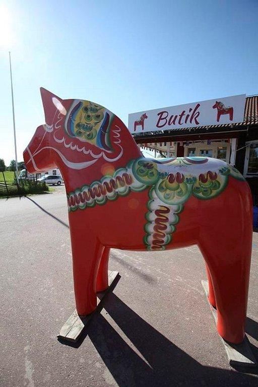 Taalainmaan punainen hevonen on koko Ruotsin symboli.