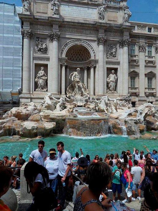 Varmista paluusi Roomaan heittämällä kolikko Trevin suihkulähteeseen.