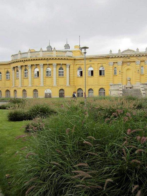 Széchenyin kylpylän päärakennus.
