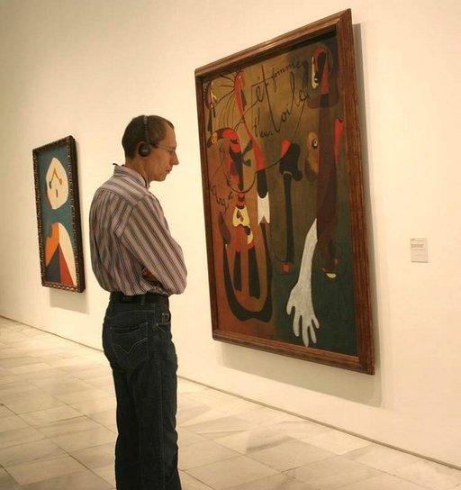 Pablo Picasson kuuluisin taulu La Guernica on nähtävillä Reina Sofia -taidemuseossa.
