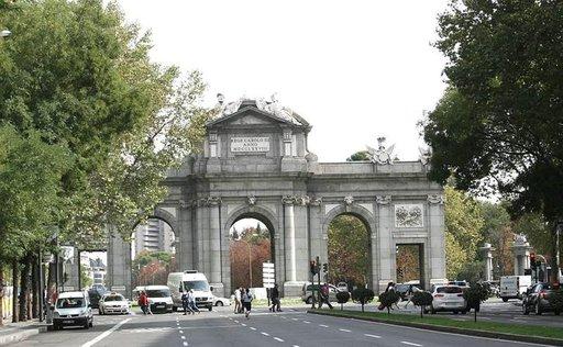 Alcalan portti on yksi Madridin maamerkeistä.