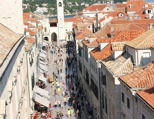 Placa-kävelykatu on Dubrovnikin asukkaille kuin olohuone