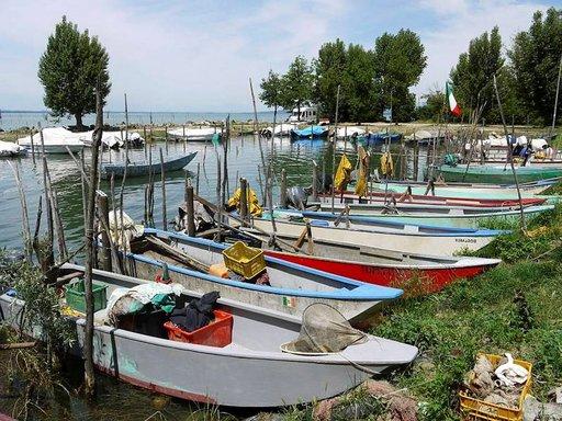 Kalastus on aina ollut tärkeä osa San Felicianon kylän elämää. Perinteiset veneet ovat kapeita.