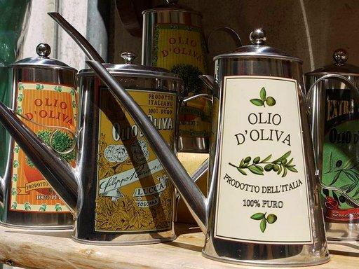 Umbriassa ja Toscanassa tuotetaan laadukkaita oliiviöljyjä, joilla on tärkeä osa paikallisessa keittiössä.