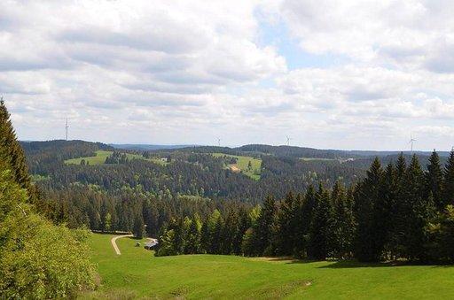 Upeat laaksot, metsät, niityt ja vuoret kutsuvat vaeltamaan.