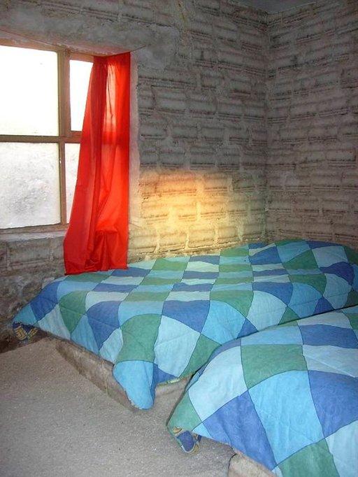 Suolahotellissa kaikki mahdollinen on tehty suolasta, sängyn pohjarakenteista alkaen.
