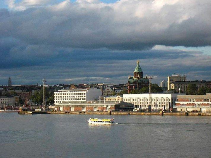 <h1>Viime vuosi kaikkien aikojen paras matkailuvuosi Helsingissä</h1>  Helsinki