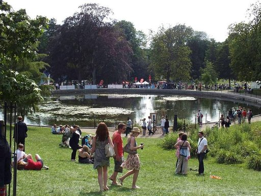 Gorkin puisto on moderni ja lapsiystävällinen.