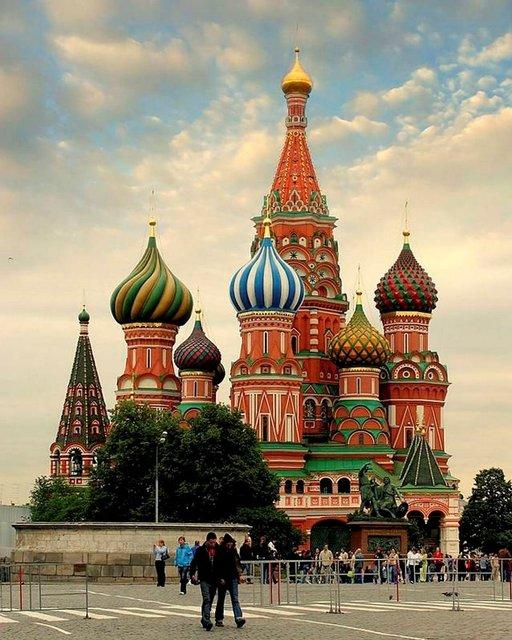 Punaiselta torilta näkyy muun muassa Pyhän Vasilin katedraali.