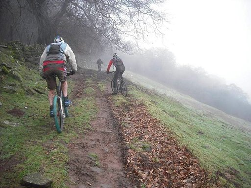 Maastopyöräily on mainio tapa tutustua Walesin luontoon.