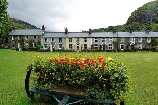 Walesin maaseutu huokuu idylliä ja vanhot maatalot ovat kuin herkkua silmille.