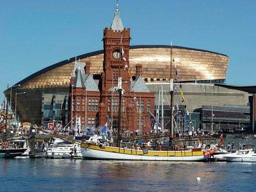 Cardiff Bay on Cardiffin moderni ja kansainvälinen keskus.
