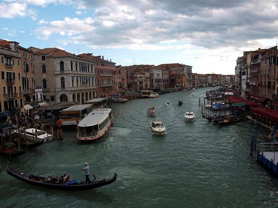 Venetsian Canal Grande.