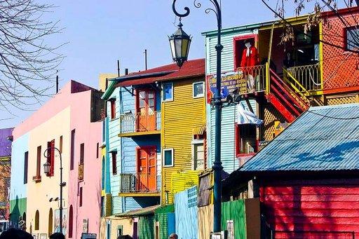 La Bocan värikkäät talot ovat herkkua silmille.