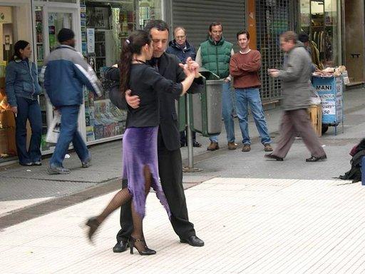 Tango on argentiinalaisten suuresti rakastama tanssi.