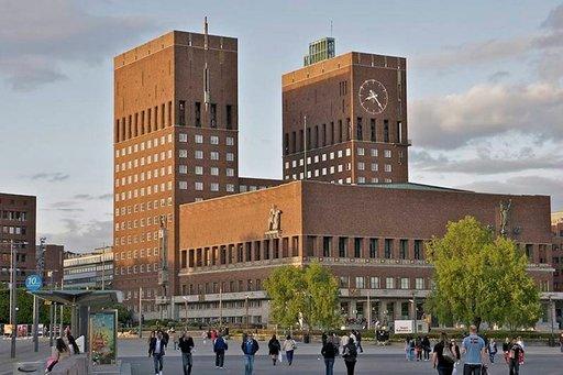 Oslon kaupungintalossa luovutetaan vuosittain Nobelin rauhanpalkinto.