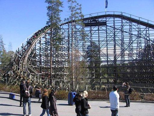 TusenFryd-huvipuiston vuoristoradan jälkeen pulssin voi tasata jossakin puiston monista ravintoloista.