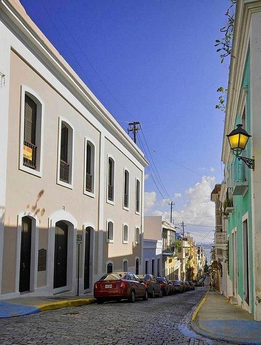 San Juanin Vanhankaupungin pastellinvärisiä taloja.
