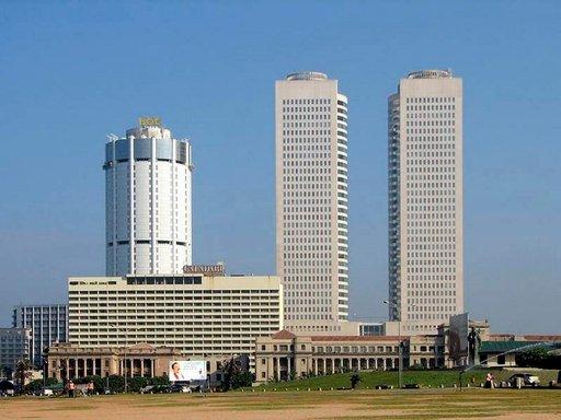 Colombo on sekoitus modernia ja vanhaa arkkitehtuuria.