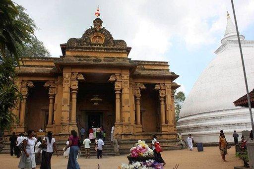 Kelaniyan alue tarjoaa mainiot puitteet temppeleihin tutustumiselle.