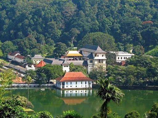 Lovamahapayan temppeli on yksi maan merkittävimmistä kohteista.