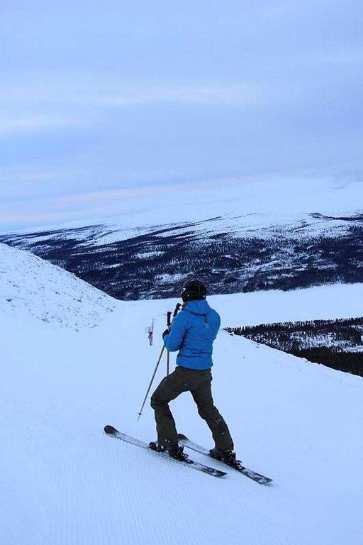 Lofsdalenissa korkeusero on 492 metriä ja hissijärjestelmä on suunniteltu niin, että sopivan rinteen löytäminen on helppoa.