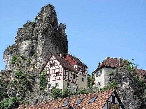 Ja Sveitsi Monacon ohella kuuluu maailman kalleimpiin lomamaihin.