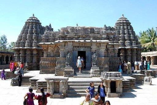 Somnathpurissa sijaitsee taidokas Keshava temppeli.