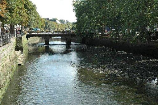 L'Odet-joki on suurin kolmesta virrasta. Tästä alkaa Vanhakaupunki.
