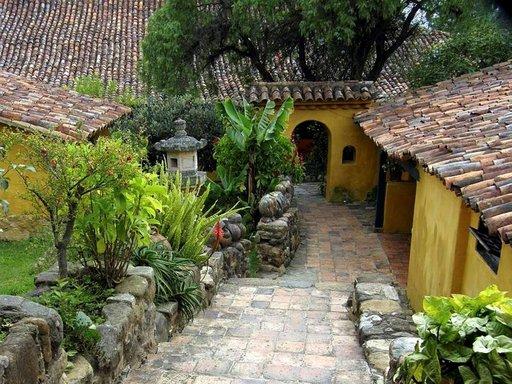 Cartagenan Vanhakaupunki on kaunis kuin koru.