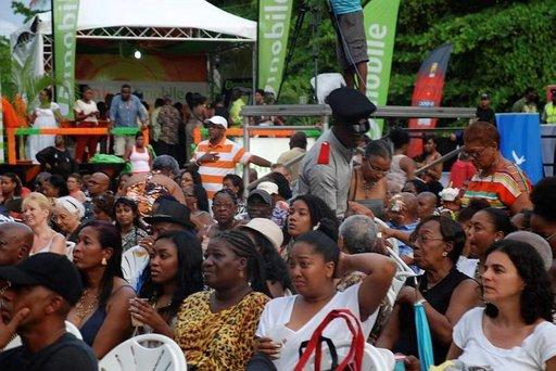 Musiikkifestivaalit kokoavat kuulijoita läheltä ja kaukaa.