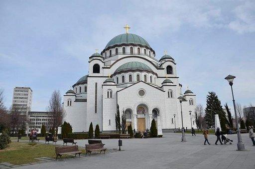 Pyhä Sava on Balkanin suurin ortodoksikirkko.