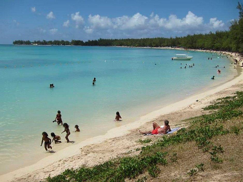 Mon Choisyn upea yleinen uimaranta on paikallisten suosima.