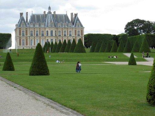 Sceauxin puutarhan palatsissa toimii yleisölle avoin, ilmainen museo.