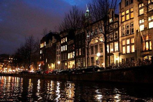 Korttimatkailua<br /> Amsterdamissa ja New Yorkissa